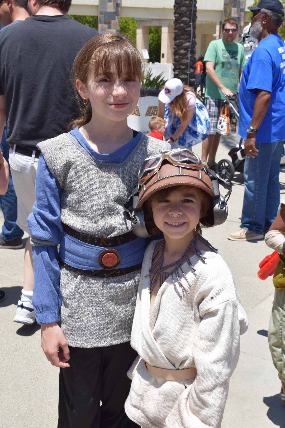 Star Wars Cosplay & Fashion At Star Wars Reads | Anakin And His Angel
